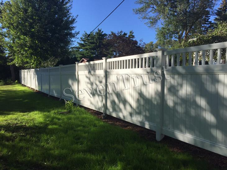 projet de clôture en vinyle en Amérique