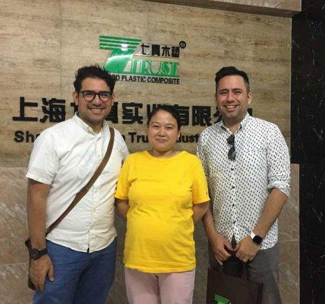 20190606 Client de Hong Kong pour le projet des panneaux muraux